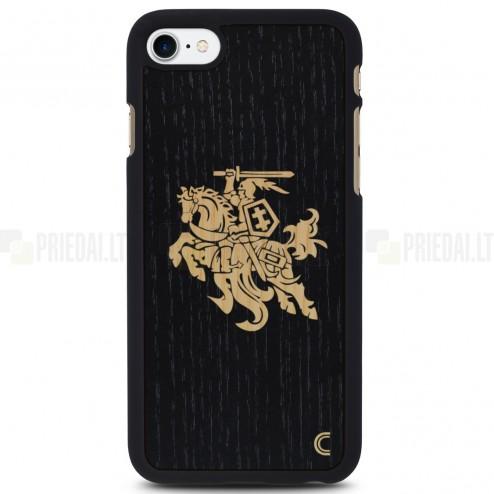 """Apple iPhone 7 (iPhone 8) """"Crafted Cover"""" Juodas Vytis natūralaus medžio dėklas (šviesus medis)"""