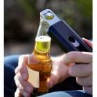 Plastikinis Apple iPhone SE (5, 5s) dėklas su metaliniu butelių atidarytuvu