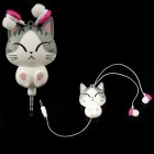 """""""Runat"""" Chi Cat įkišamos į ausis baltos ausinės"""